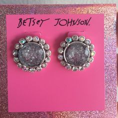 Betsey Johnson earrings So glamorous & classy, these betsey Johnson earrings will add a little shimmer to your outfit. With a vintage twist these earrings are gorgeous!!! NWT Betsey Johnson Jewelry Earrings