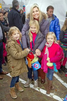 Hello!  Crown Princess Maxima with daughters Alexia, Catharina-Amelia, and Ariane