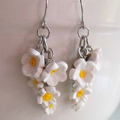 White Daisy Earrings  Polymer Clay by beadscraftz on Etsy, $20.00