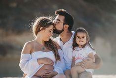 Pregnancy photoshoot // Beach pregnancy photoshoot // Helena Tomas Photography