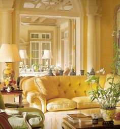 Inspiring Yellow Sofas To Perfect Living Room Color Schemes 18 - DecOMG Cottage Living Rooms, Living Room Decor, Cozy Living, Salons Cottage, Sofa Design, Interior Design, Room Interior, Yellow Couch, Yellow Cottage