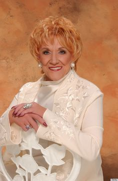 Wilma Jeanne Cooper - who portrayed diva, Katherine Chancellor for almost 40 years is an actress, author and humanitarian. She passed due to a (COPD) Chronic obstructive pulmonary disease. It is one of the most common lung diseases, which makes it difficult to breathe. October 25, 1928 - May 8, 2013