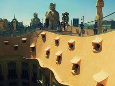 Casa Milá: La Pedrera, Barcelona (Laura Ladrón de Guevara, 2013)