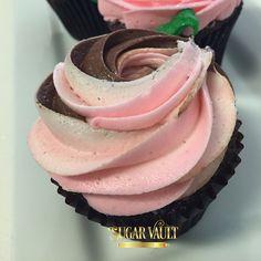 Neapolitan Cupcakes| chocolate, vanilla & strawberry buttercream