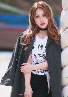 pin x noellemnguyen Korean Makeup Look, Korean Beauty, Asian Beauty, Korean Make Up, Korean Girl, Asian Girl, Pony Makeup, Stylish Girl Pic, Pretty Asian