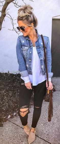 10 Simple Wardrobe Essentials For Women Minimal Classic Street Styles . - 10 Simple Wardrobe Essentials For Women Minimal Classic Street Styles .decordiy…- Source by - Mode Outfits, Fall Outfits, Casual Outfits, Fashion Outfits, Crazy Outfits, Spring Outfits Women Over 30, Casual Summer Outfits With Jeans, Casual Night Out Outfit, Hiking Outfits