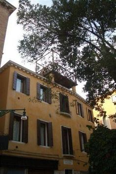 Renato Apartment - #Apartments - $251 - #Hotels #Italy #Venice #SanMarco http://www.justigo.co.in/hotels/italy/venice/san-marco/renato-apartment_178317.html