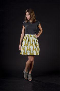 Taillenröcke - ZEBRA, oliv / türkis, taillierter Rock, Baumwolle - ein Designerstück von brittamanger bei DaWanda