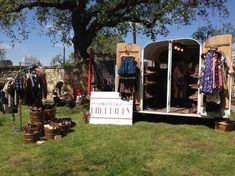 Mobile Boutique - High Class Hillbilly - this is the perfect idea for the horse trailer! Craft Booth Displays, Store Displays, Vendor Displays, Display Ideas, Mobile Boutique, Mobile Shop, Tack Shop, Mobile Business, Mobile Art
