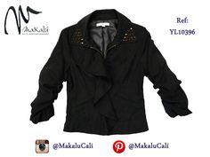 Blazer con taches, perfecto para las chicas arriesgadas! #modafemenina #makalu #makalucali #tendencias #ropaamericana #fashionweek #outfit #neon #moda #cali #colombia