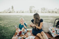 Bookmark this post ASAP! Utah Style Blogger Dani Marie shares a super simple Summer snack recipe! Summer Snack Recipes, Easy Delicious Dinner Recipes, Summer Snacks, Best Dinner Recipes, Lunch Snacks, Delicious Desserts, Chocolate Heaven, Baby & Toddler Clothing, Super Simple