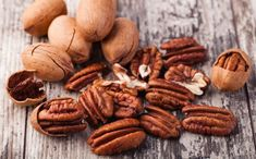 Did you know pecan nutrition can help boost brain, heart and bone health? It's true, and there are more ways to eat them than just pecan pie. Healthy Fats, Healthy Snacks, Healthy Eating, Healthy Recipes, Delicious Recipes, Pecan Desserts, Pecan Recipes, Georgia Pecans, 4 H