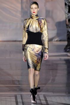 Giles Deacon Fall 2011 Ready-to-Wear Fashion Show - Lindsay Lullman
