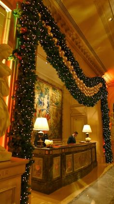 Travel: sexy Christmas extravaganza at the Four Seasons Hotel George V Paris | The Parisian Eye