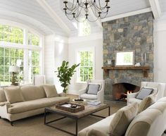 Classic Chic Home: 10 Classic and Cozy Family Living Spaces