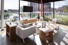 Sala de Ventas de Prodesa en Bogotá  Un proyecto de decoración realizado por Arquitectura e Interiores #Diseño #Decoracion #Arquitectura #SaladeVentas