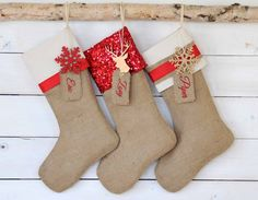 Burlap Stockings Set of 3 - Red & Ivory Collection - Christmas Stockings, Personalized Stockings, Red Stockings, Stockings de TwentyEight12 en Etsy https://www.etsy.com/es/listing/165941104/burlap-stockings-set-of-3-red-ivory