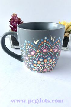 Gorgeous unique hand painted coffee mugs! Makes an awesome gift for any coffee lover. Click through for more gift ideas! Gorgeous unique hand painted coffee mugs! Makes an awesome gift for any coffee lover. Click through for more gift ideas! Dot Art Painting, Mandala Painting, Pottery Painting, Ceramic Painting, Ceramica Artistica Ideas, Painted Coffee Mugs, Hand Painted Mugs, Mandala Dots, Coffee Gifts