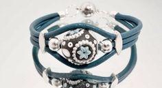 Petrol weiß silbernes Kashmiri Lederarmband von MeinBändchen Leder Wickelarmbänder mit Magnetverschluss auf DaWanda.com