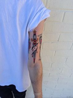 Skin Deep Tales : Photo tattoo designs ideas männer männer ideen old school quotes sketches Black Ink Tattoos, Wolf Tattoos, Mini Tattoos, Leg Tattoos, Arm Tattoo, Body Art Tattoos, Small Tattoos, Sleeve Tattoos, Tatoos