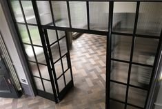D&R Design: Crittall with reeded glass Crittal Doors, Crittall Windows, 1930s House Extension, Painted Screen Doors, Door Dividers, Reeded Glass, Glass Room Divider, Architectural Materials, Glass Office