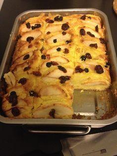 Heel simpel en heel erg lekker: een plaatcake met appel. In plaats van een cakevorm,...