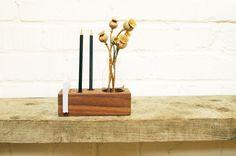 *3*+Stifthalter+mit+Vase,+Zettelhalter+in+Nuss+von+blumen-wiese+auf+DaWanda.com