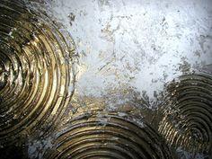 """Produktbeschreibung Künstler: JEAN SANDERS """"GOLDEN CIRCLES"""" 170 x 70 x 4 cm Material: Acrylfarben, Schlussfirnis, Strukturmaterial Malgrund: Das Bild ist bereits fertig auf Keilrahmen..."""