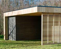 Poolhouse moderne en bois Saint Tropez, Modern Carport, Porte Cochere, Construction, Pool Houses, Jacuzzi, Blinds, Pergola, Garage Doors