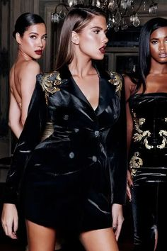 Look Fashion, Runway Fashion, Fashion Outfits, Womens Fashion, Celebrity Dresses, Celebrity Style, Black Velvet Jacket, Black Velvet Dress, Structured Dress