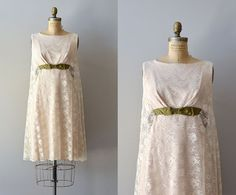 vintage 1960s dress / lace 60s dress / Solitary Reign dress