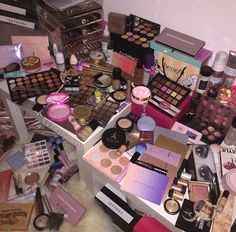 my make up collection 👑💕: Photo Makeup Is Life, Makeup Goals, Makeup Kit, Beauty Makeup, Hair Makeup, Makeup Guide, Sephora, Kids Makeup, Cute Makeup
