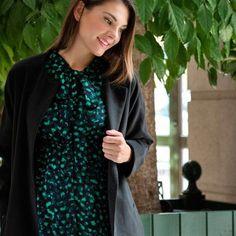 91c63fccb77dd Dotted Print Bow Collar Maternity and Nursing Dress #Mayarya  #MoreThanMaternity Enjoy FREE worldwide shipping