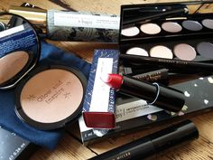 Following on from my interview with the UK fashion designer Savannah Miller, I'm today sharing my thoughts on her new debut make-up range - full review, swatches, looks and hot picks all up on the blog
