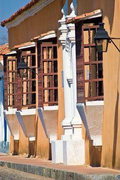 Fachada de casa colonial en la ciudad de #Coro, Estado Falcón, #Venezuela. #Descubre