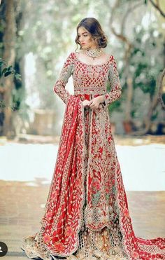 Red Embroidered Lehenga  #PakCouture #Kameez #DesiFashion  @CremeDeModa