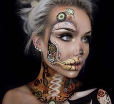 41 Most Jaw-Dropping Halloween Makeup Ideas That Are Still Pretty: Awesome Halloween Makeup – Click though to see more awe inspiring pretty Halloween makeup looks, gorgeous Halloween makeup and Halloween costumes. Beautiful Halloween Makeup, Creepy Halloween Makeup, Pretty Halloween, Halloween Costumes, Halloween Ideas, Halloween Makeup Sugar Skull, Steampunk Makeup, Steampunk Halloween, Instagram Makeup Artist