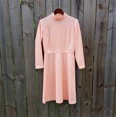 L Large Vintage 60s 70s Peach Long Sleeve by PinkCheetahVintage, $28.99