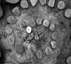 Runes Viking Symbols, Viking Runes, Mayan Symbols, Egyptian Symbols, Dwarven City, Ancient Runes, Elder Futhark Runes, Inca Tattoo, Vikings