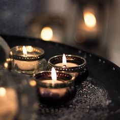 Latest Free of Charge Candles aesthetic Tips As with all candles, the first burn is the most important. To begin, candles should burn one hour fo Christmas Aesthetic Wallpaper, Christmas Wallpaper, Chillout Zone, Candle Lanterns, Candles, Candle Centerpieces, Happy Sunshine, Little Dresses, Fairy Lights