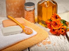 Herbal information and DIY remedies for a balanced mind, body and spirit. Find online herbal study programs and courses at Herbal Musings. Diy Herbal Cosmetics, Herbal Remedies, Natural Remedies, Organic Herbs, Bath And Body, Herbalism, Make It Yourself, Summer, Recipes