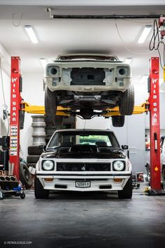 Australian Muscle: Restored 1977 Holden Torana SL/R 5000 Still Lays Down Rubber Holden Muscle Cars, Aussie Muscle Cars, Holden Torana, Holden Australia, Australian Cars, Sexy Cars, Cars And Motorcycles, Restoration, Trucks