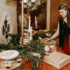 Postres para tu boda, pequeños y grandes de distintos sabores. Table Settings, Table Decorations, Furniture, Home Decor, Events, Mesas, Wedding, Colors, Decoration Home