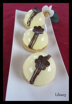 frbse04 Mousse Dessert, Small Cake, Cute Cakes, Tupperware, Panna Cotta, Buffet, Cake Decorating, Food And Drink, Dessert Recipes