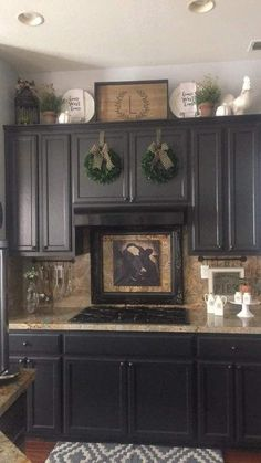 Decorating Above Kitchen Cabinets, Above Cabinets, New Kitchen Cabinets, Dark Cabinets, Top Of Cabinets, Diy Cupboards, Kitchen Counter Decorations, Decorating Ideas For Kitchen, Teal Kitchen