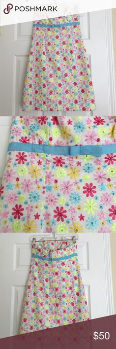 Lilly Pulitzer embroidered flower strapless dress Beautiful and bright! EUC. Lined. 100% cotton. 29 inches long. Lilly Pulitzer Dresses Strapless