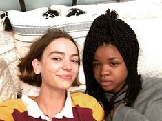 Movies Showing, Movies And Tv Shows, Casey Newton, Casey Atypical, Brigette Lundy Paine, Arte Grunge, Tv Show Couples, Pleasing People, Beautiful Series