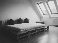 Studio pallet bed ready! :)