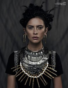 Xi Sinsong & - Fashion calls out a chic warrior cry in the Xi Sinsong 'Wahine' series. The models donned fantastical warrior princess looks filled wit. Hippie Chic, Hippie Art, Boho Chic, Edgy Bohemian, Mode Renaissance, Renaissance Fashion, Beauty And Fashion, Look Fashion, Street Chic