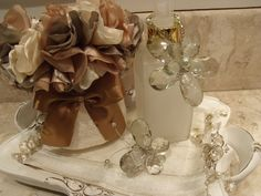 Mini trilho, toalha , borboleta para espelho, pingente para sabonete em flor